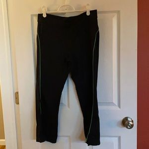 Crop fitness pants